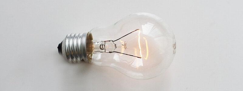 イノベーター理論が閃いたことを示す電球