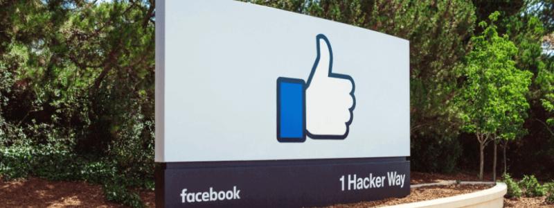 facebookというWEB集客ツールを活用しているイメージ画像