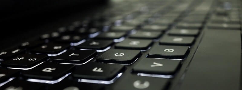 PPC広告を出稿する際に使用しているパソコン