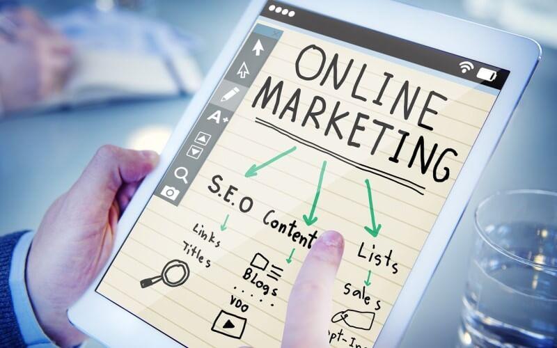 オンラインマーケティングの中のインターネット広告