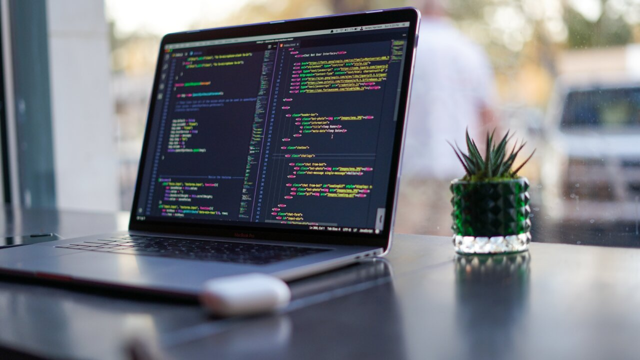 Webマーケティングにプログラミングは必要?学んでおいた方がいい言語とは